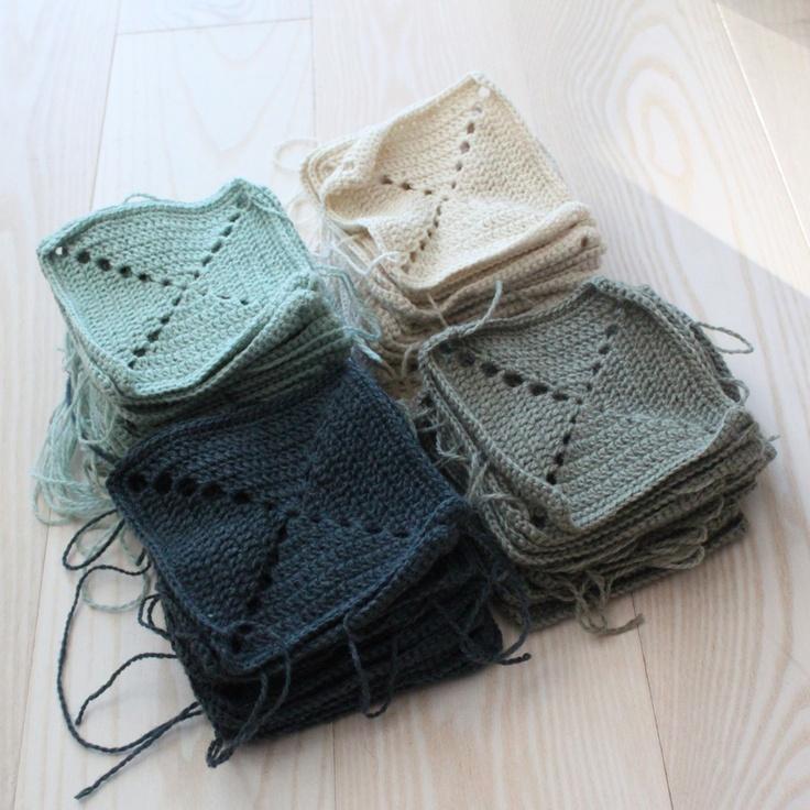 Hæklet tæppe i felter fra Lutter Idyl