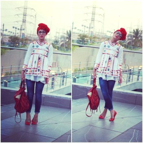 white blouse outfit, Funky hijab style by Asia Akf http://www.justtrendygirls.com/funky-hijab-style-by-asia-akf/