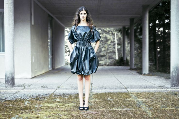 waterproof dress with pocket and belt modell: Katrin Blutmager