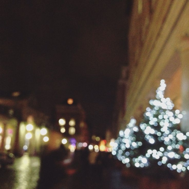 after the theatre I walked through Covent Garden and it was so beautiful