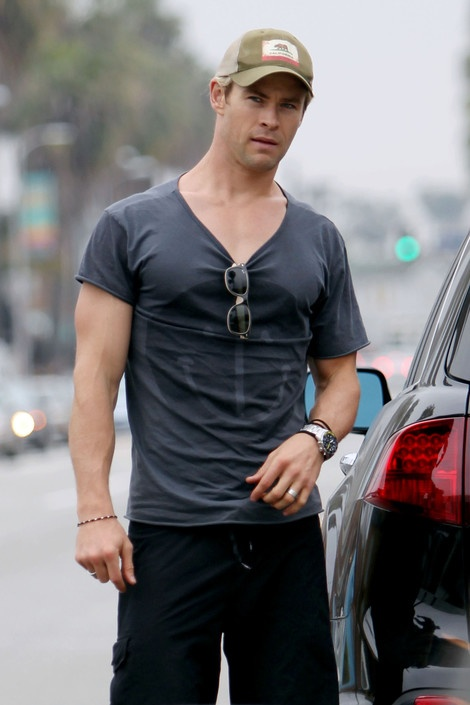 Chris Hemsworth grabs a Cup of Joe after a morning workout in LA