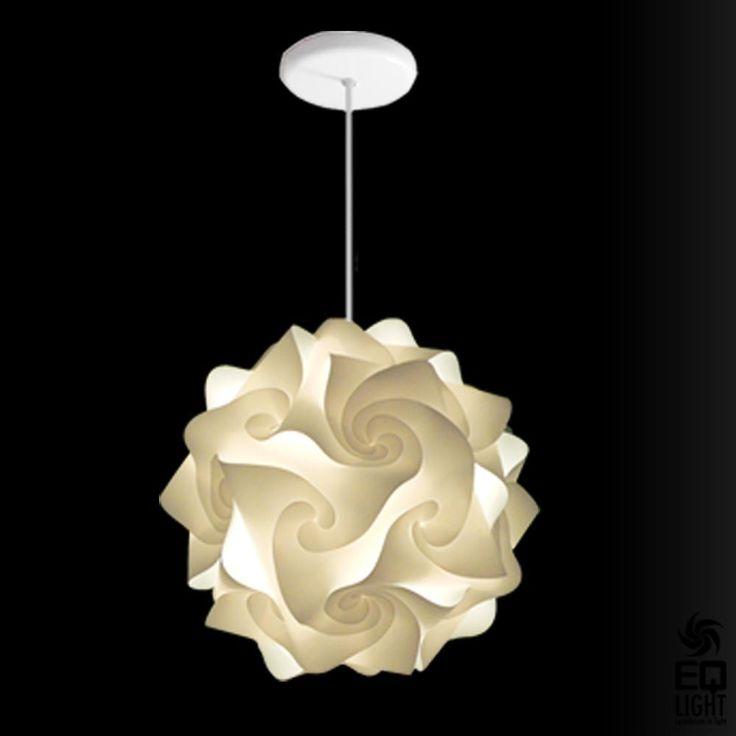 very pretty pendantCeilings Lights, Lights Inspiration, Contemporary Pendants, Kitchens Lights, Hands Folding, Pendants Lights, Hado Lights, Decor Tools, Bad Girls