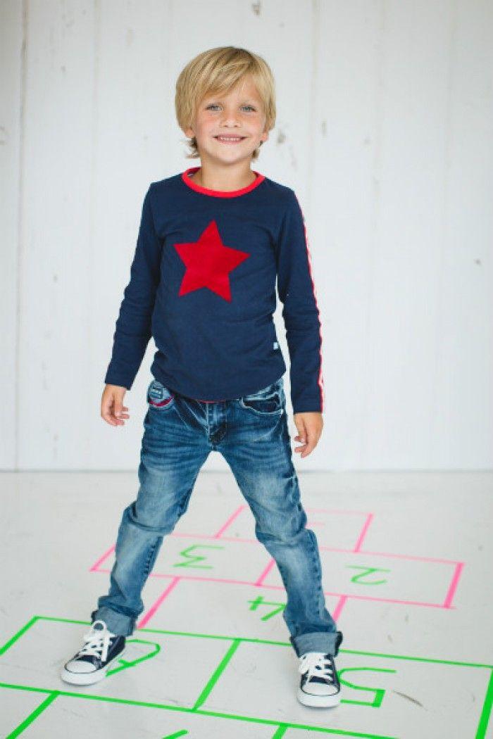 t-shirt met rode ster Mika