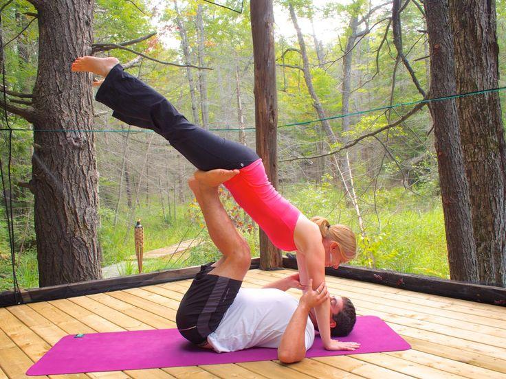 Couples yoga with Jennifer & Josh Kavanagh at Pura Vida Soul Institute Inc. in Muskoka, Ontario.  www.puravidamuskoka.com Photo Credit: Larry Carroll