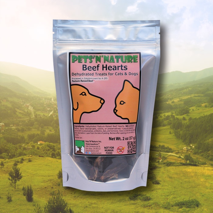 Hearts are known for their unique and very pleasant flavor, and dogs simply love it! Catsparticularly,like to eathearts,becausethey containa high concentrationof Taurine,whichis an essentialelementin their diet.Crunchy, yet very easy to break, these protein-rich healthy treats are excellent even for older dogs and cats who have problems chewing hard food.Hearts that we use are from pasture-raised cattle grown on local farms with no antibiotics and hormones.As always, these…