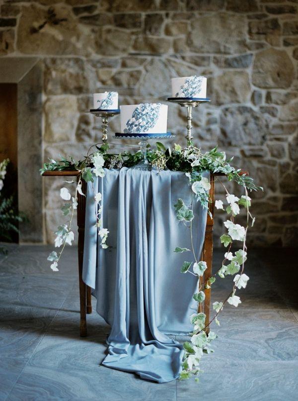 Painted wedding cakes    #wedding #weddingideas #aislesociety #vintagewedding #fineartwedding