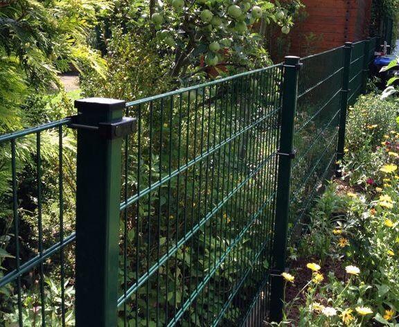 Die besten 25+ Zaunanlagen Ideen auf Pinterest Gartensichtschutz - gartenzaun metall anthrazit