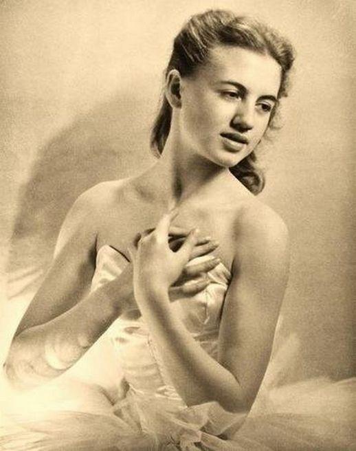 Laure Albin-Guillot-Jacqueline Rayet Première ballerine à l' opera de Paris , 1946