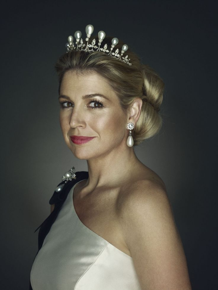 Máxima's 40th Birthday: HRH Princess Máxima of The Netherlands wearing the Antique Pearl tiara.