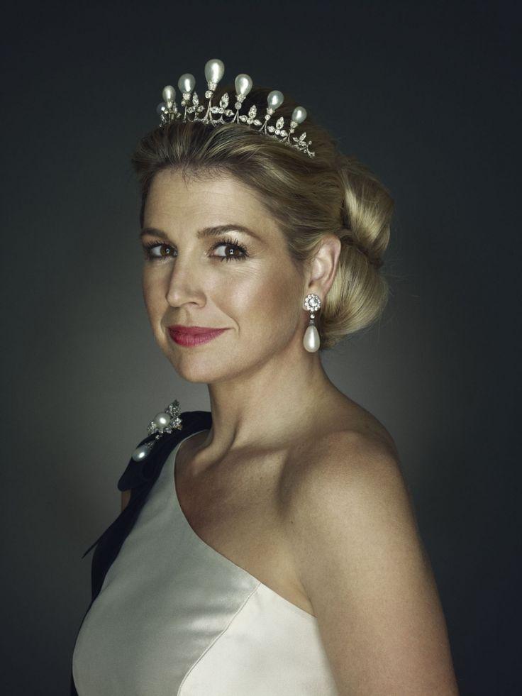 Máxima's 40th Birthday: HRH Princess Máxima of The Netherlands wearing the Antique Pearl tiara.