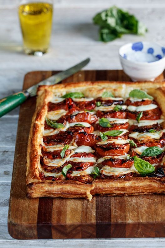 caprese tart with roasted tomatoes | by simply delicious