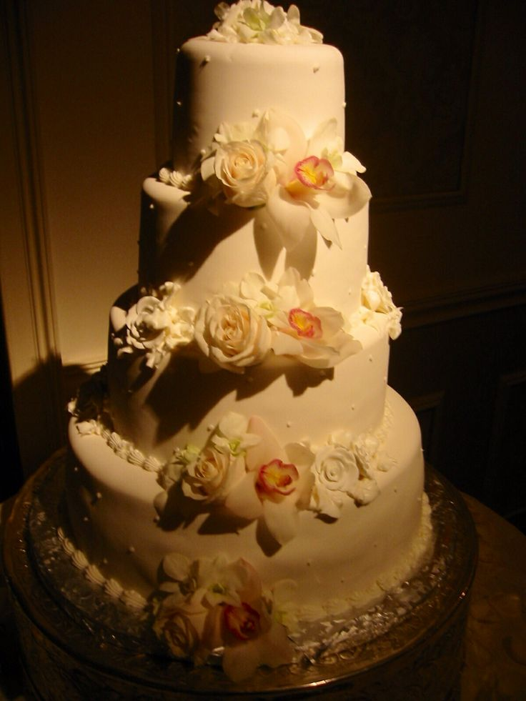 wedding cakes northern new jersey%0A Simple elegant wedding cake decor  Amaryllis Decorators Northvale  New  Jersey