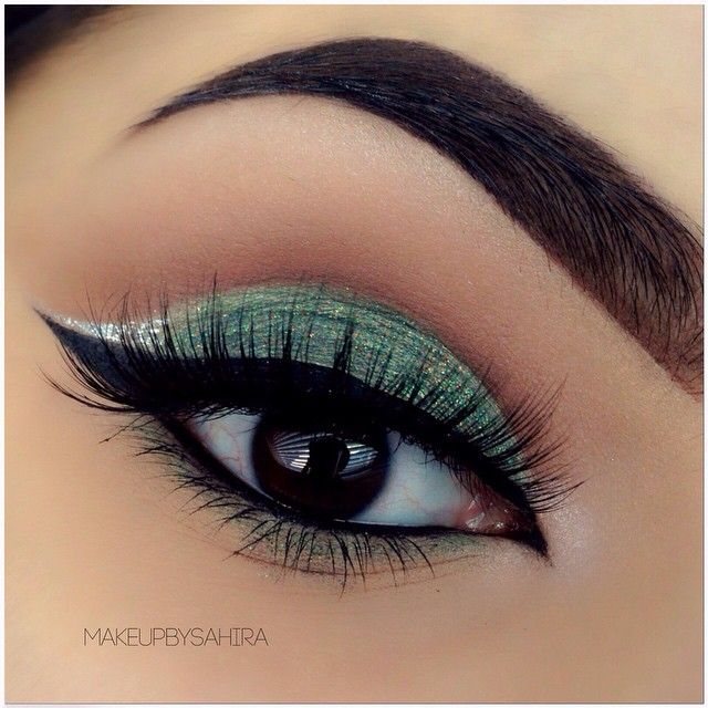 Beautiful! Perfect for bridesmaid makeup except with a Tiffany Blue Shadow