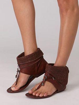 Модные женские сандалии на лето 2014 года: фото обуви