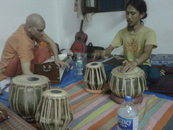 The music school of Swami Brahmasarupan, Rishikesh