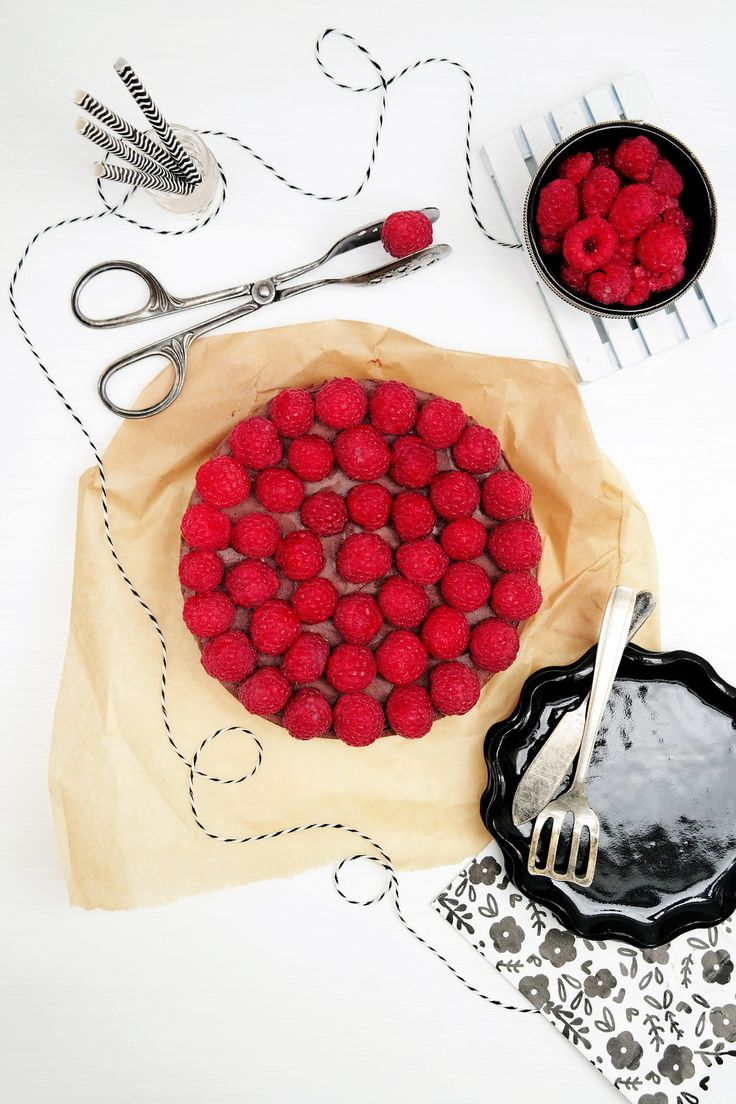 Raw Raspberry and Chocolate Cheesecake | La Tortoise