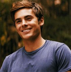 21 Zac Efron Smiles That Will Definitely Brighten Your Day