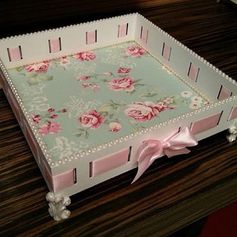 Woven ribbon box