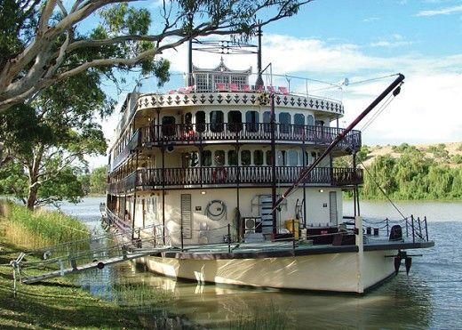 Murray River Paddle Steamer, Mildura, Victoria, Australia.