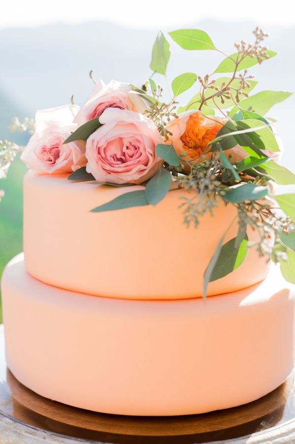 The prettiest peach-hued cake: http://www.stylemepretty.com/canada-weddings/british-columbia/2015/09/04/romantic-mountaintop-wedding-inspiration/ | Photography: Belluxe Photography - http://www.belluxephotography.com/