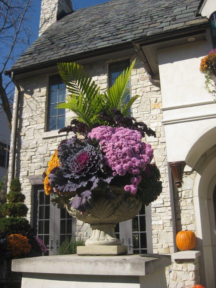 A pretty Fall urn