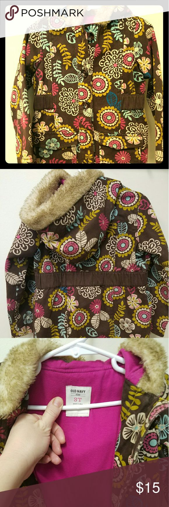 Old Navy 3T girls peacoat Adorable, retro style peacoat with faux fur hood Old Navy Jackets & Coats Pea Coats