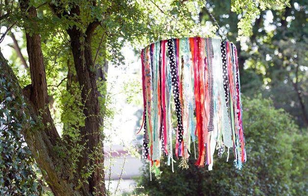 Snel en makkelijk te maken: prachtige mobile voor de zomer (van oude restjes stof) #knutselen