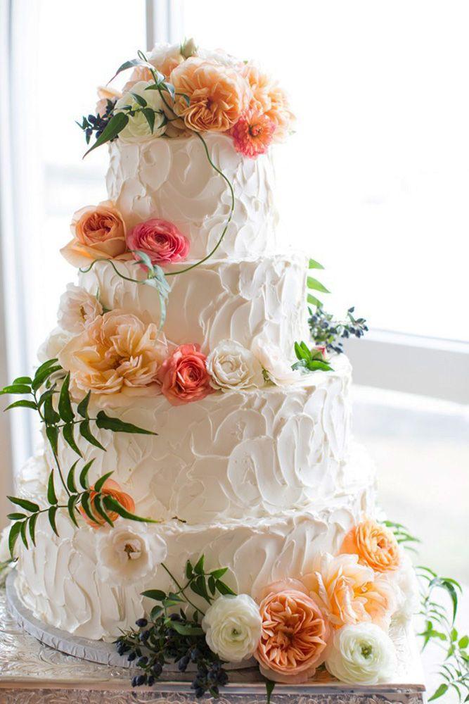 18 Beautiful Buttercream Wedding Cake Ideas ❤ See more: http://www.weddingforward.com/buttercream-wedding-cakes/