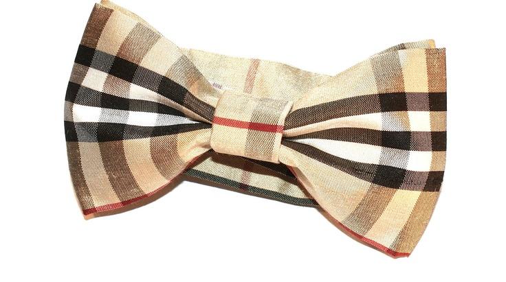 Beige checked burberry bow tie. $25.00, via Etsy.