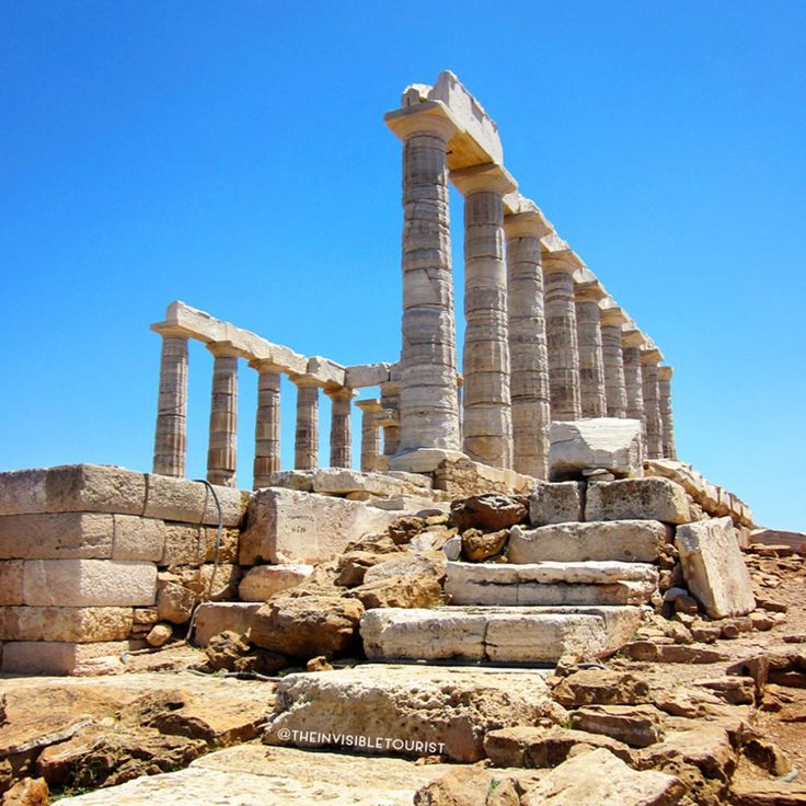 """On freezing cold days like today, I really curse the Facebook """"On This Day"""" feature 😭😭 This is where I was exactly 4 years ago - jeez time flies! 🏃 I took a day trip from Athens to Cape Sounion, the site of this ancient Greek temple of Poseidon. He was the God of the sea in Greek mythology. Today it's a magical place to watch the sun set over the Aegean 🌅✨ What Facebook travel memory makes you wish you could teleport back there in an instant? 🌏 #traveltheworld #theinvisibletouristway ~"""