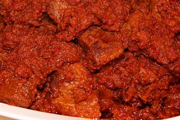 Resep daging sapi bumbu pedas. Cara membuat masakan daging sapi bumbu pedas cukup mudah dan simple. Bahkan hanya dengan bahan bumbu sederhana, seperti : cabe, bawang putih, bawang merah, dan kemiri - Resep Masakan Indonesia - Indonesian Food Recipes - Indonesian cuisine