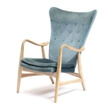 1650/734 - Arne Vodder, ascribed to: A beech highback easy-chair upholstered in seat, back and loose cushion with petrol blue coloured velour. 1960s.