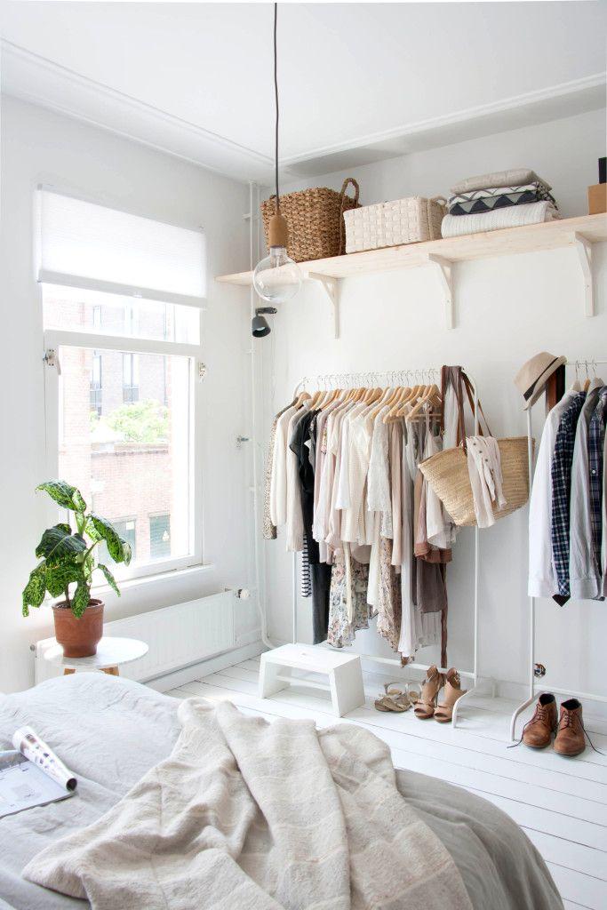Nowoczesna garderoba w sypialni
