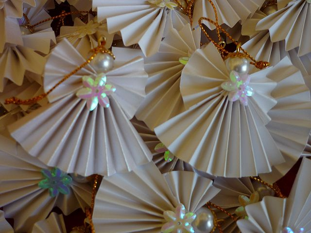 DIY Folded paper angels