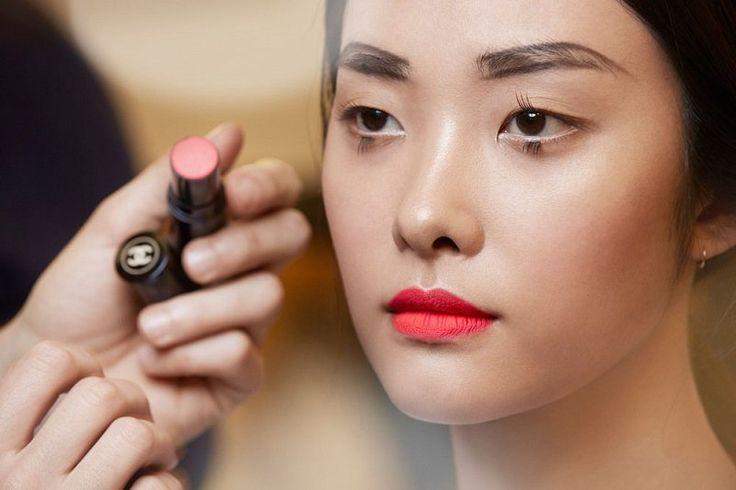 Шик и блеск: Французская декоративная косметика для создания полного образа http://kickymag.ru/krasota-beauty-box/shik-i-blesk-francuzskaya-dekorativnaya-kosmetika-dlya-sozdaniya-polnogo-obraza