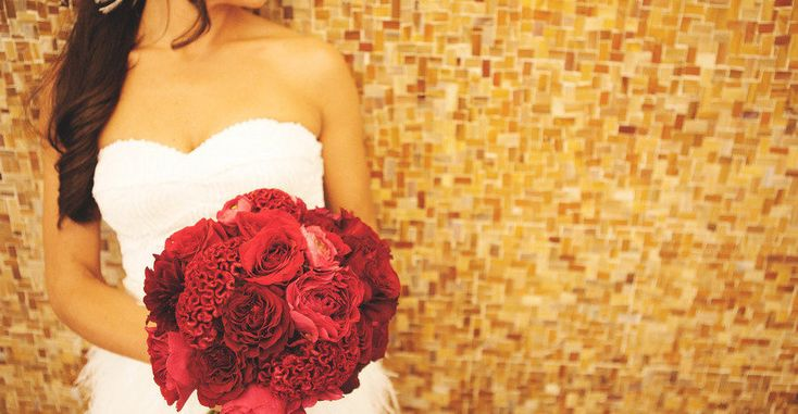 City Hall weddings are a special breed of celebrations that are reminiscent of timeless cinema and a carefree love that lasts a lifetime. And this one from VinnyD Photography at New York City Hall is all that and more with that glorious red bouquet from Blooming Today and the love of these two sweethearts that […]