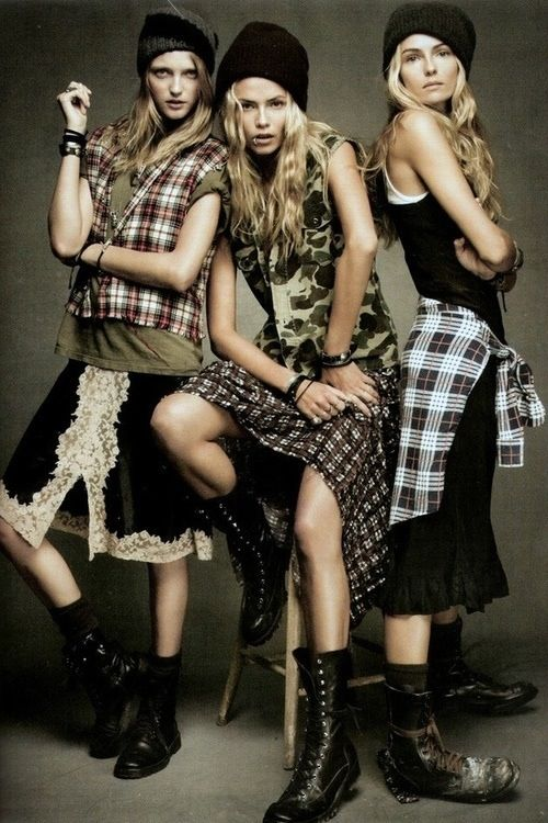 Grunge plaid #tomboy #grunge #ootd #90s | Leather + Lace | Pinterest | Urban fashion Boots and ...