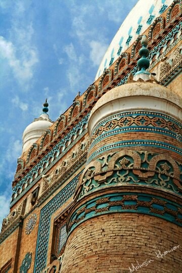 Tomb of Bibi Javindi in Uch Sharif, Multan, Pakistan  Check our range of guides in Multan - http://www.tourhq.com/pakistan/multan-tours-guide
