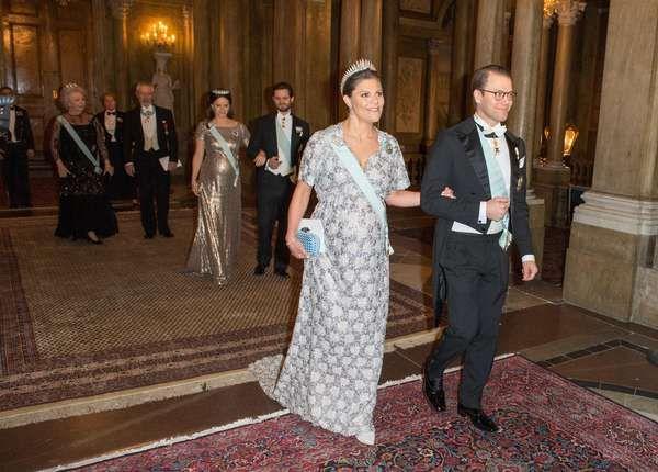 Prinzessin Victoria + Prinzessin Sofia: Babybauch-Parade beim Galadinner | GALA.DE