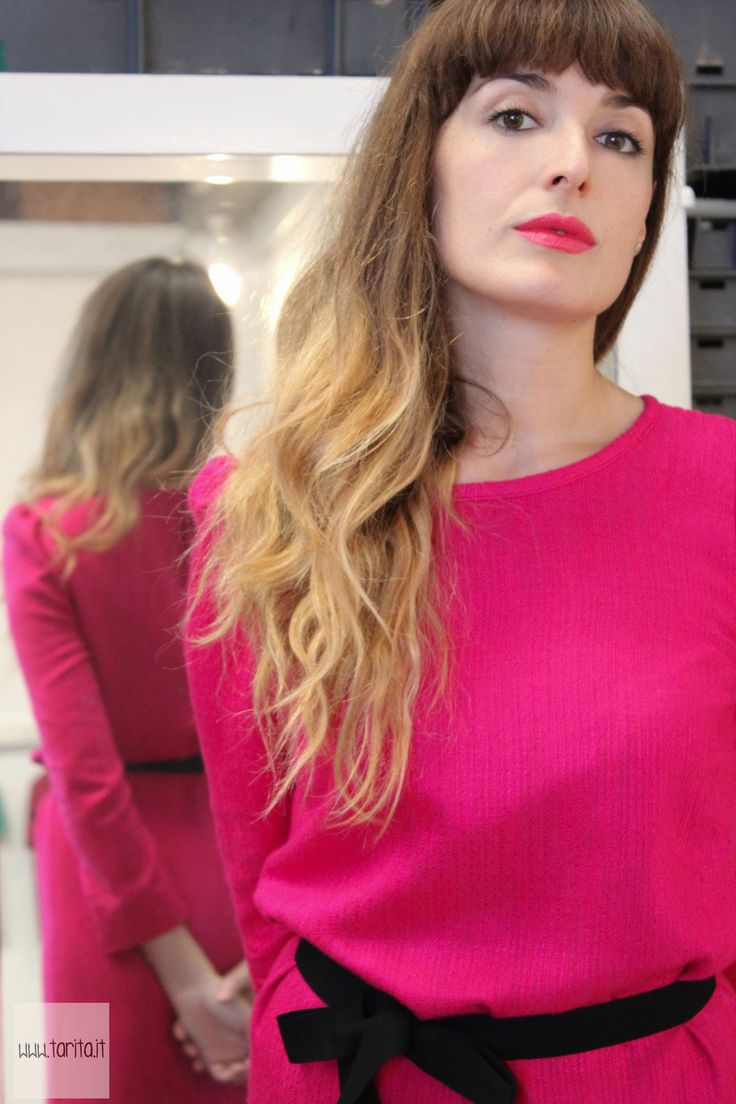 """Tarita FW13/14. Tarita """"Numero UNO"""" Collection. Fucsia viscose and cotton belted dress with long sleeves and black buttons on the back."""