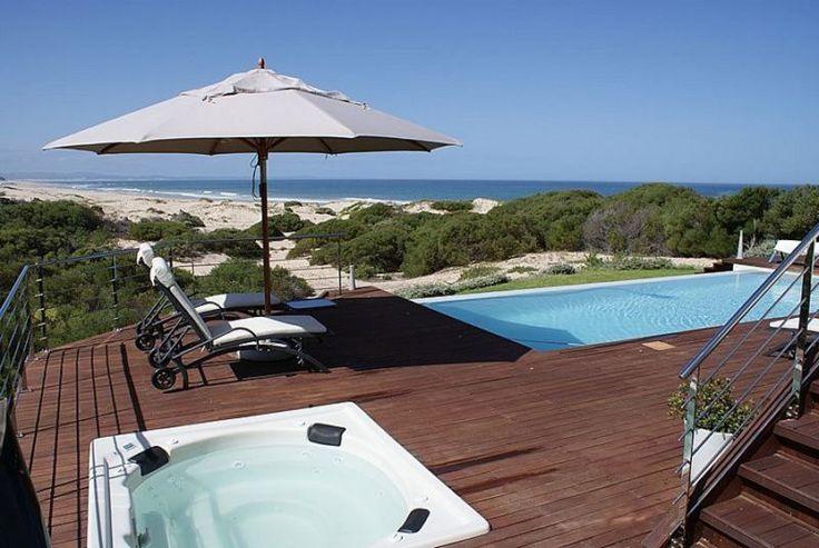 Moya Manzi Beach House - Jeffreys Bay, South Africa