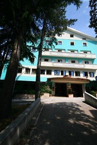 Hotel Fiordigigli - Assergi (L'Aquila)