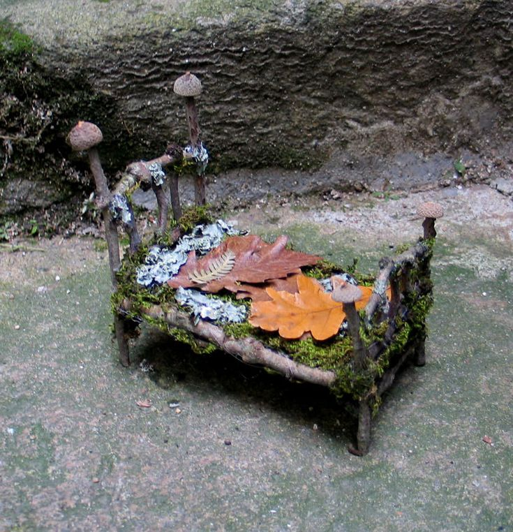 Fairy forest bed - inspiration only ******************************************** PandoraJane via Etsy - #fairy #garden #miniature #forest #bed - tå√
