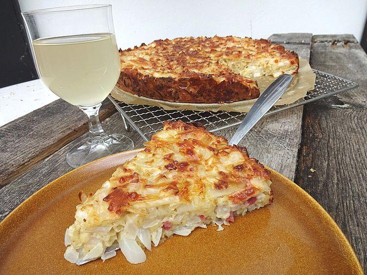 Zwiebelkuchen ohne Boden - einfach und lecker, ein leckeres Rezept aus der Kategorie Kuchen. Bewertungen: 116. Durchschnitt: Ø 4,3.