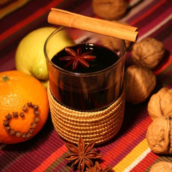 Hot wine vin chaud  (French recipe).