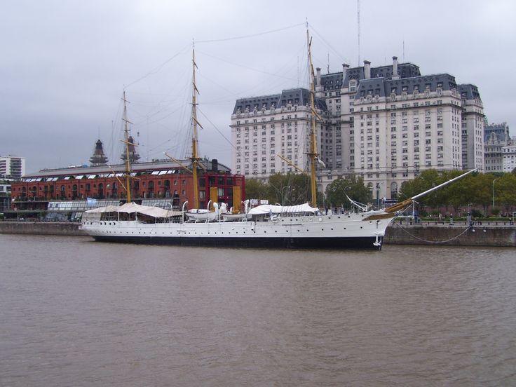 Fragata Libertad en Puerto madero, Buenos Aires