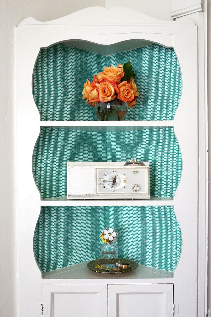 Fabric Lined Built In Shelves (click through for the full tutorial!)
