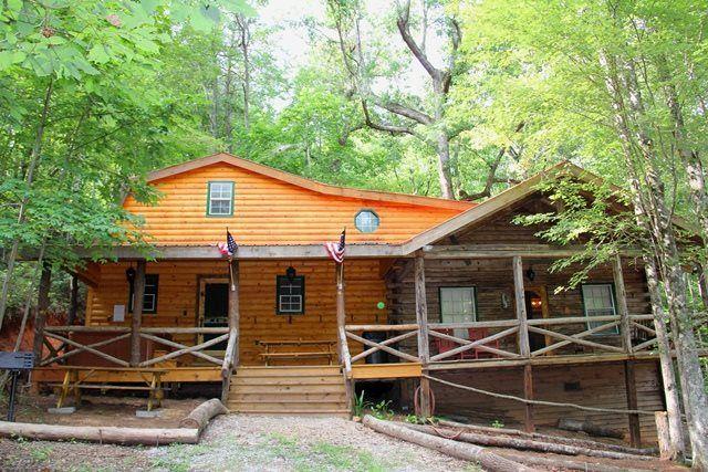 Best 25 helen ga cabin rentals ideas on pinterest for Helen luxury cabin rentals