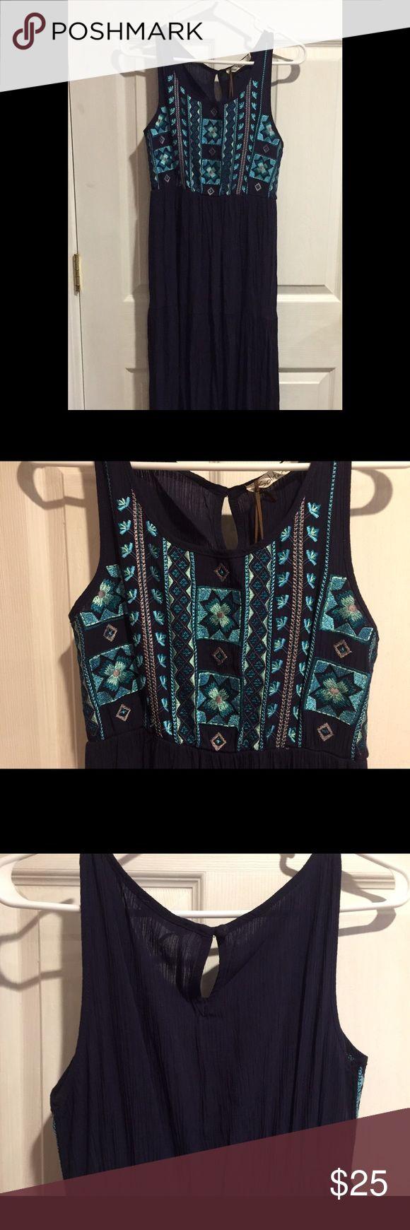 Maxi dress size M Aztec long maxi dress. NWT. Dresses Maxi
