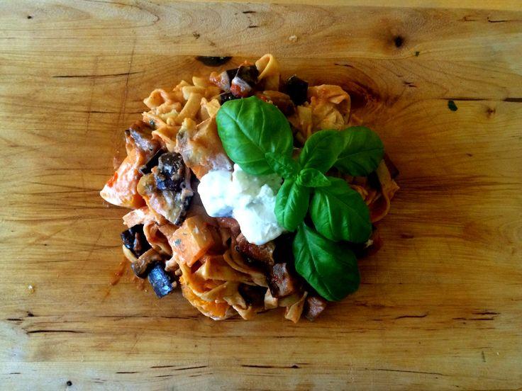 Tagliatelle alla Norma met een tikkie herfst. eggplant, pumpkin, goatcheese. aubergine, pompoen, geitenkaas